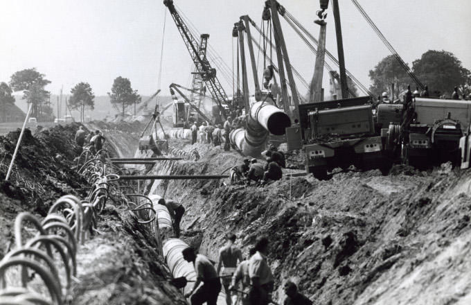 Duizenden kilometers gasleiding worden in zo'n tien jaar tijd in de Nederlandse bodem gelegd