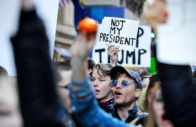 Maar ja, niet iedereen is blij met de nieuwe president en zijn aanpak