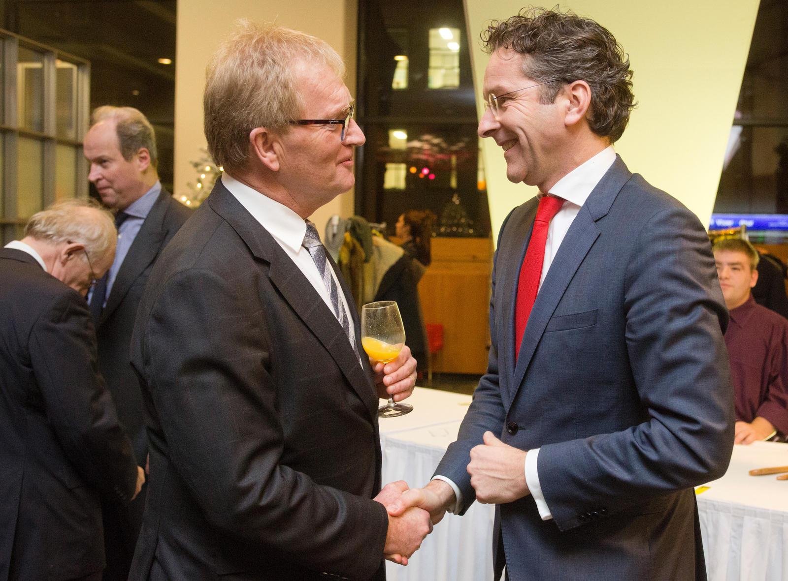Hans de Boer (voorzitter VNO-NCW) verwelkomt minister Jeroen Dijsselbloem van Financiën