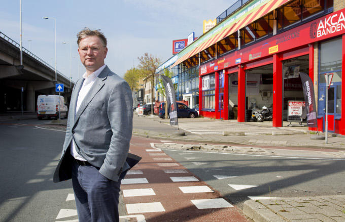 Ondernemer Frank Kapsenberg weet nog hoe het was in Spaanse Polder toen het Rotterdamse chapter van de Hells Angels er een clubhuis had