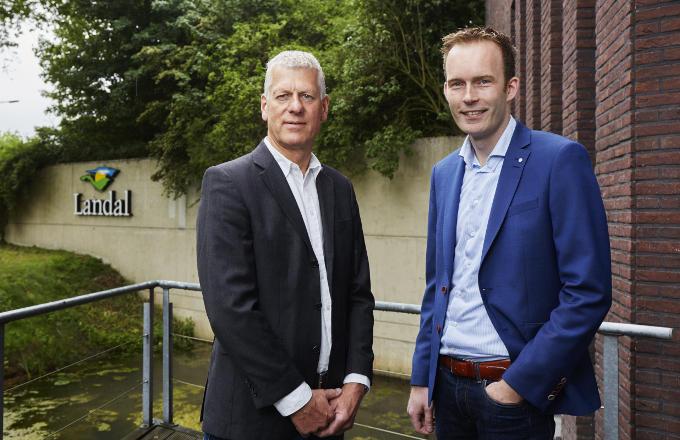 Jan van der Schaaf (links) en Henco Klein Kromhof van Landal Greenparks