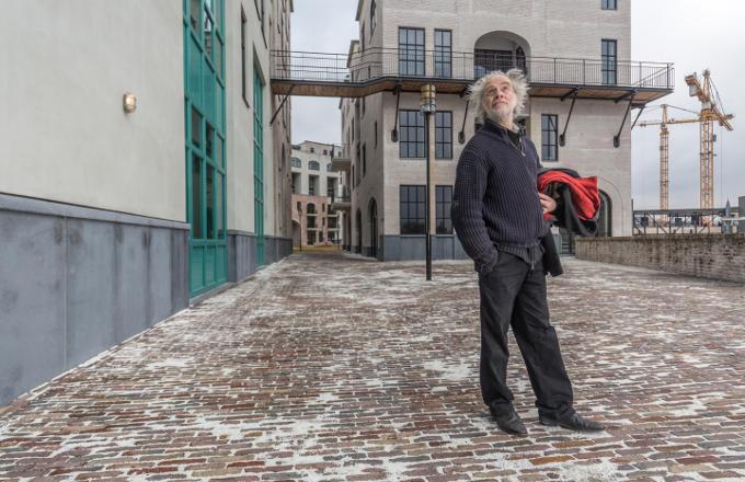 Met de bouw van het maankwartier, dat kunstenaar Michel Huisman ontwierp, hoopt Heerlen het verleden definitief achter zich te laten