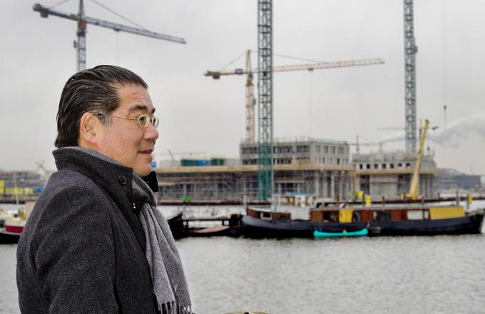 Aan het Amsterdamse IJ wordt het penthouse gebouwd dat Won Yip begin vorig jaar kocht