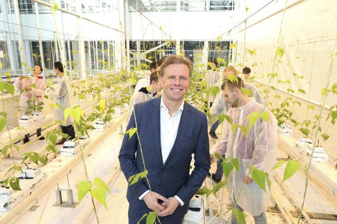 'Het World Horti Center laat zien wat de Westlandse tuinbouw in huis heeft. Het is een internationaal ontmoetingscentrum. Ik ben er trots op dat ik als wethouder heb bijgedragen aan de komst ervan.'