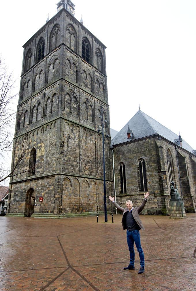 Als Bjorn Kuipers de Plechelmus-basiliek ziet, voelt dat als thuiskomen. Thuiskomen in Oldenzaal, waar hij zijn hele leven al woont