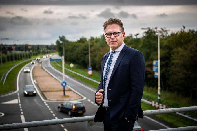 Wachten op verbreding van de N33 kan niet, aldus Cas König, ceo van Groningen Seaports. 'Er is nu al groei met extra verkeer en steeds meer ongelukken op de N33'