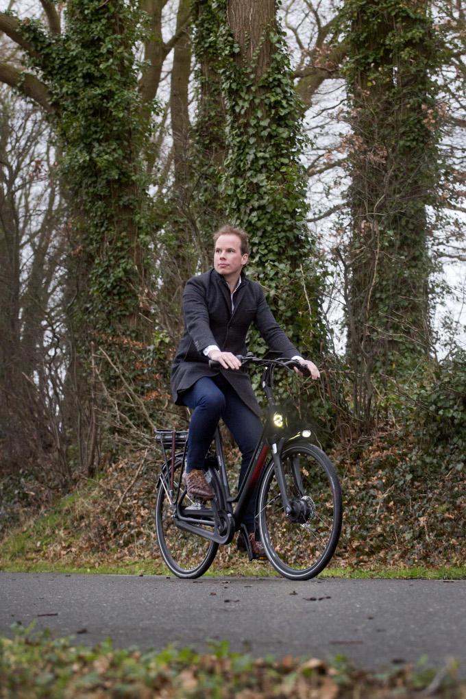 Op de fiets naar kantoor: welke ceo doet dat? Nou ja, Daan van Renselaar in elk geval. 'Lekker fris aan de dag beginnen'