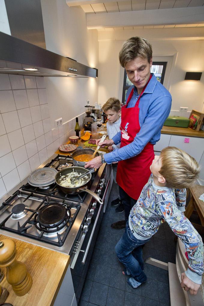 Drees Peter van den Bosch: 'Ik kook graag. Niet alleen voor mijn gezin, maar ook voor vrienden. Eten is een mooi ritueel om samen te komen'