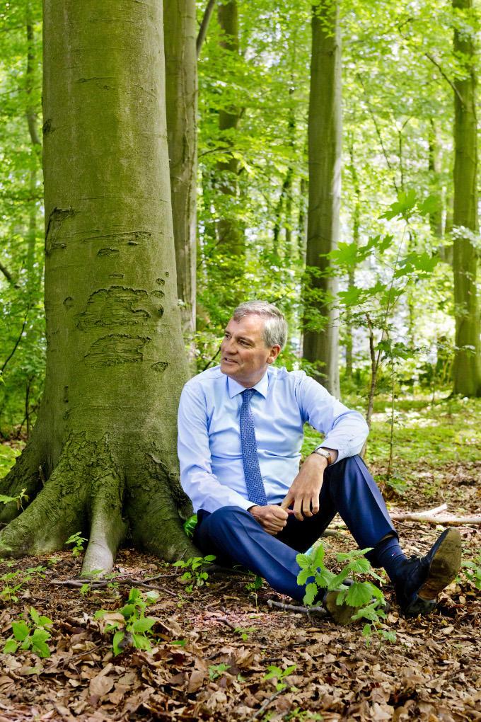 Stilzitten onder een boom? Niets voor Eric van Schagen. 'Dan zou de onrust toeslaan. Wat dat over me zegt? Tja…' En toch probeert hij het maar eventjes