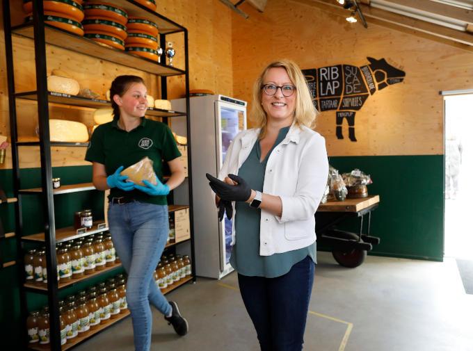Esther de Lange: 'Boer Bert bij mij in de buurt combineert een melkveebedrijf met een winkel, een zorgboerderij, een pensionstal en accommodatieverhuur. Dat kun je wel ondernemend noemen'