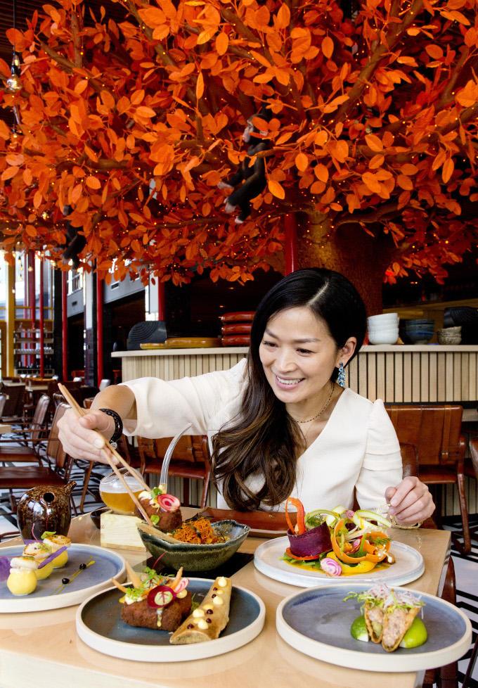 Ook een chef-kok gaat weleens uit eten. Het Amsterdamse Sushisamba is een van de favoriete restaurants van Eveline Wu. Een mix van Japans, Braziliaans en Peruaans eten.