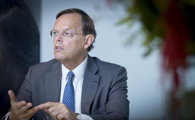 'Er was een overstroming nodig voor er Deltawerken kwamen', zegt Hans de Jong (Philips Nederland). Moet dat in de zorg ook zo gaan?