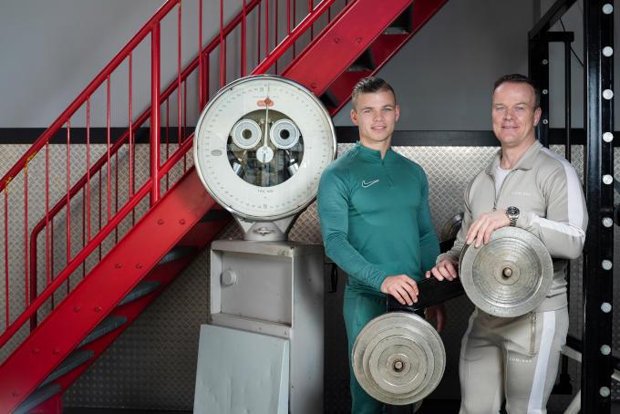 Echte Rotterdammers: Hans (rechts) en Jordan Kroon. 'Mijn vader heeft echt alles voor je over'