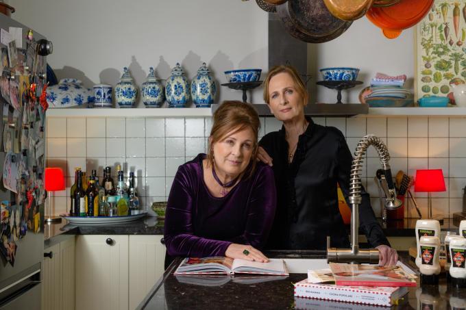 Helen (links) en Martine Hissink van The Mayo Sisters
