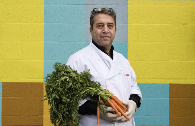 Jay Asad van StartUp Kitchen: 'Als naar de gemeenteambtenaar had geluisterd, had ik nu nog een uitkering in plaats van een bedrijf'