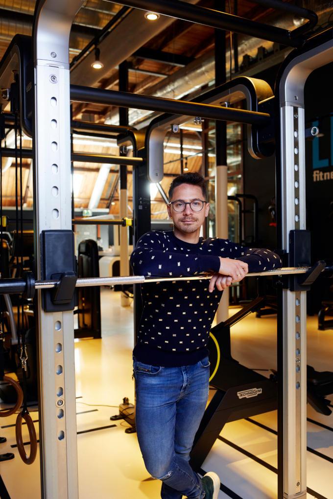 Hoe langer de sluiting duurt, hoe groter de problemen worden, denkt Jim Breedveld (sportschool Lijfkracht). 'Ook voor de Nederlandse schatkist'