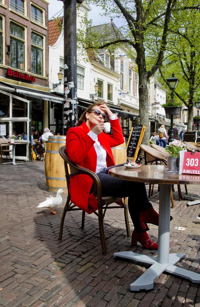 Soms moet Mireille Kaptein even 'uit' staan. Om op te kunnen laden. Een terrasje pakken in Alkmaar is al genoeg