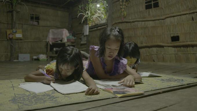 Toegang tot energie is ook belangrijk om kinderen de kans te geven te leren en zich te ontwikkelen