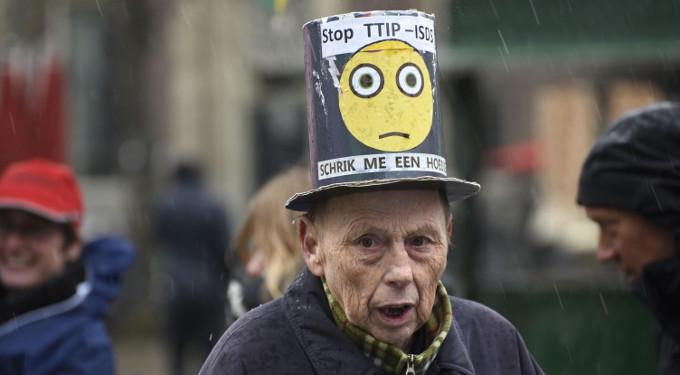 Als niemand anders het doet, dan doen wij het maar: Nee, chloorkippen komen Europa niet in