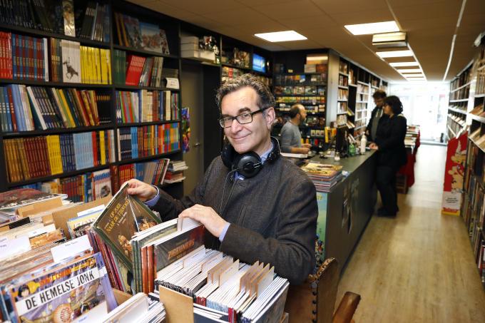 Stripwinkel Atomik in Sittard. 'Ik probeer het lokale bedrijfsleven te steunen door daar te kopen en, als ze het niet hebben, te bestellen'