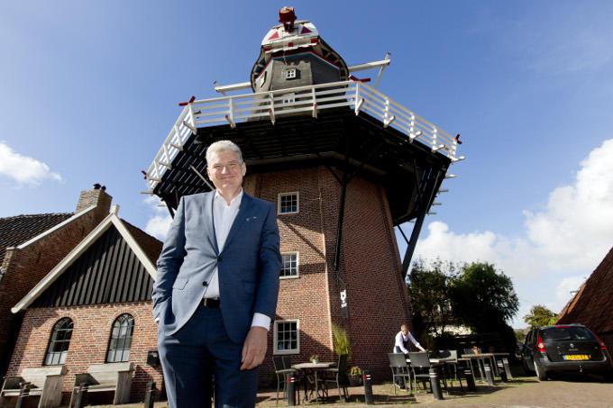 'Restaurant De Molenaar (wieken in renovatie, red.) in mijn geboortedorp Onderdendam, waar een jonge, getalenteerde chef elke dag wordt afgerekend op wat hij op tafel zet.'
