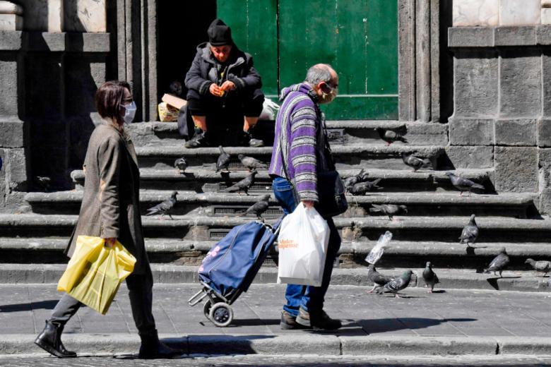 In het arme zuiden van Italië ruikt de maffia nieuwe kansen