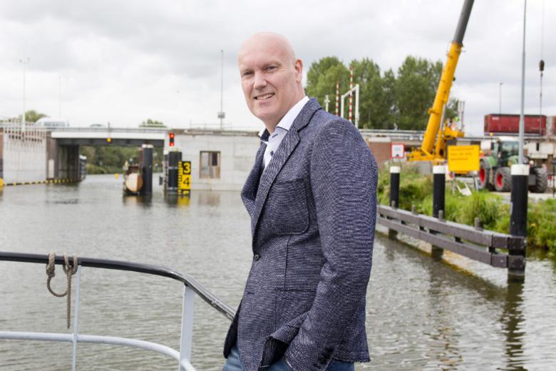 Komt de Alkmaarse Leeghwaterbrug ooit nog af? Ondernemer Jeroen Veerman vraagt het zich af