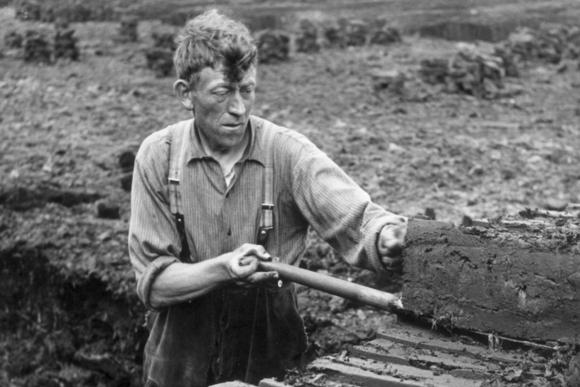 Vaak onder barre omstandigheden deed de turfsteker zijn werk