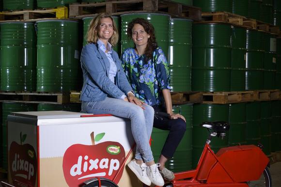 Zussen Fransje en Ellen de Kimpe werken samen in het familiebedrijf