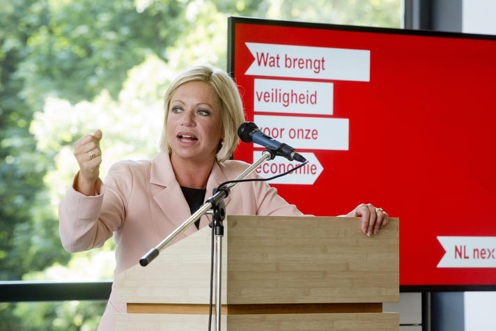 Defensieminister Hennis NL Next Level