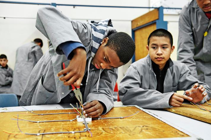 Wie voor techniek kiest, heeft altijd werk. Maar 25 procent van de jongeren kan er niet eens meer voor kiezen.