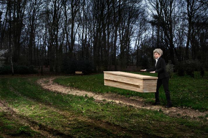 Gerdine van Dam ging op missie voor een duurzame grafkist