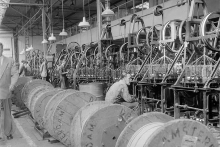 Wie denkt er bij Duyvis aan een draad- en kabelfabriek?