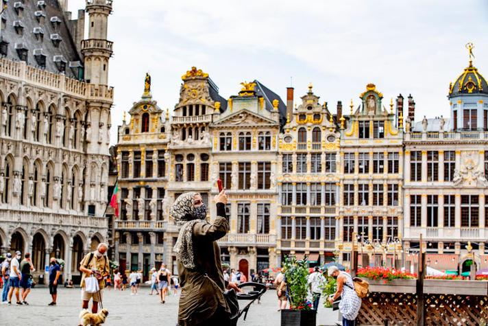Mondkapjesplicht, avondklok: de Belgen doen alles tegen corona