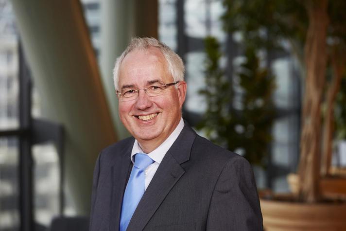 Jan van den Broek: Wet open overheid ook na acht jaar nog altijd om te huilen