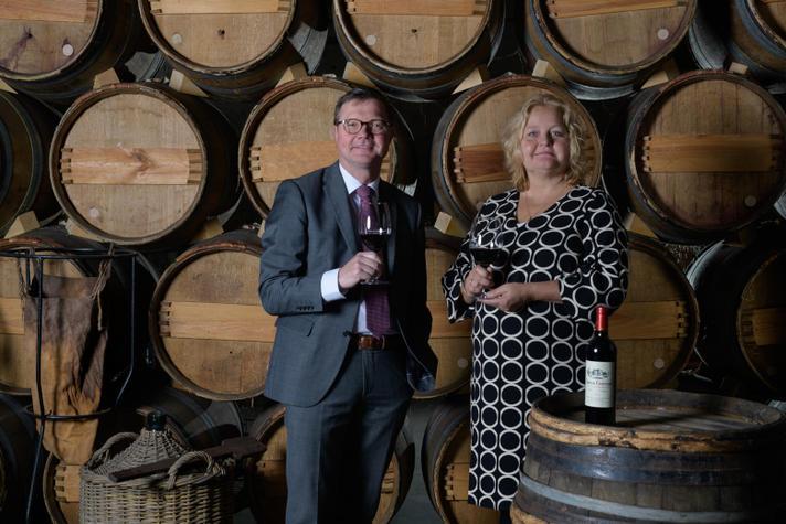 Samen 't wijnhuis runnen: wat doet misère privé met een familiebedrijf?