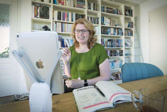 Waarom Margaret Massop mensen met pleinvrees aanneemt  | Opinieblad Forum