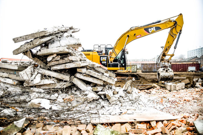 Een kantoorkolos van 57.000 ton beton recyclen? Zo doe je dat