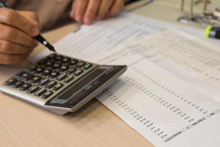 Illustration of a single EU VAT area with a calculator