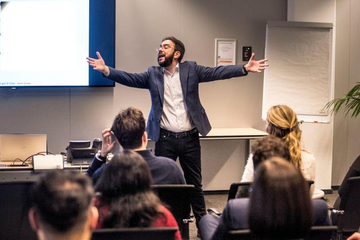 De les van corona voor NRTO: nu even niet klassikaal