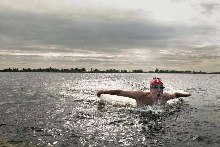 Deze ondernemer verbrak een record open water zwemmen