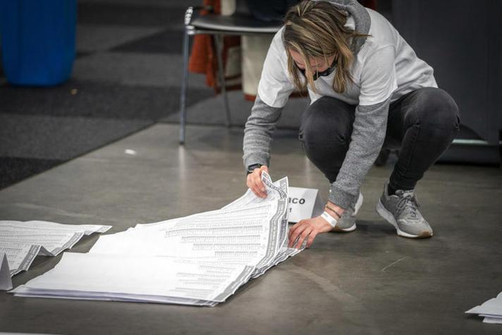 Stemmen tellen in Rotterdam